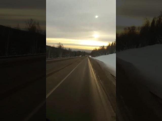 Шокирующая авария I На трассе Красноярск Абакан фура повисла над обрывом