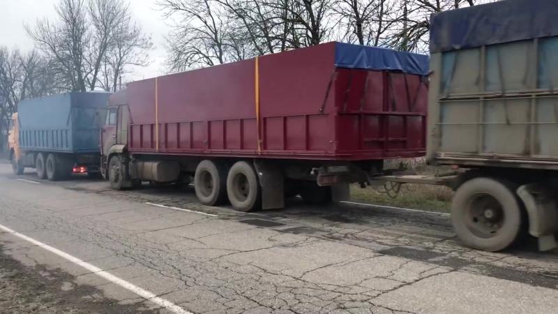 КАМАЗ зерновоз евро1 тянет 110 тонн. КАМАЗ щука 65117 стуканул