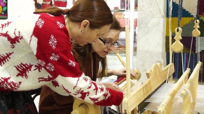 Сегодня в музее | Мастер-класс на выставке «Куиськон крезь» («Мир женщины. Мелодия тканого полотна. Ковры»)
