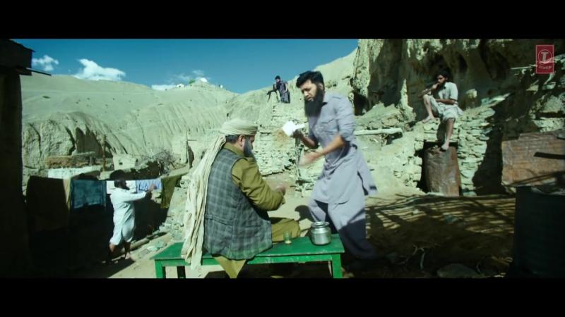 _Hogi_Kranti__VIDEO_SongBangistanRiteish_Deshmukh,_Pulkit_SamratT-Series145