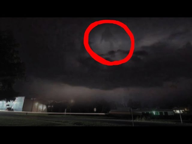 Michael Jackson - Moonwalk in Clouds during lightning storm june 23th 2015
