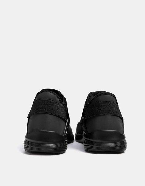 Кроссовки с сетчатыми и эластичными деталями