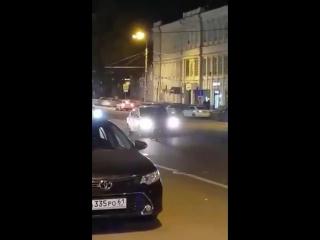 Драка на дороге на Ворошиловском - 5.11.17 - Это Ростов-на-Дону!