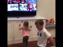 Дети Уилера смотрят игру Джетс