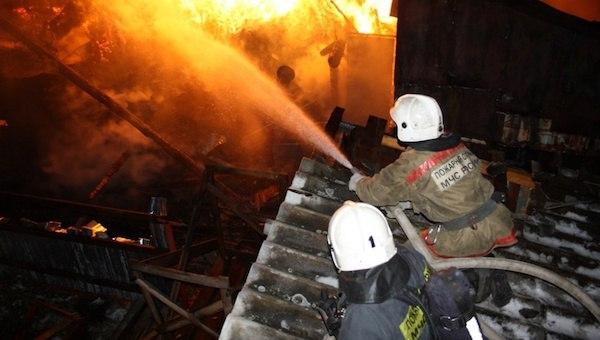 В Архызе при пожаре в бане пострадал человек