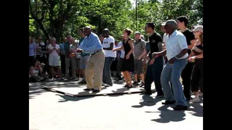 Frankie Manning leading the Shim Sham, Herrang 2007