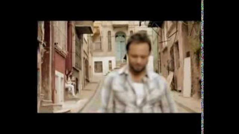Özgün - Sadece Arkadaşız (Official Video)