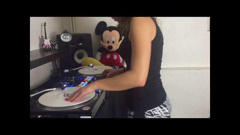 DJ Lady Style - Mi Gna - Super Sako Hayko (scratch edit)