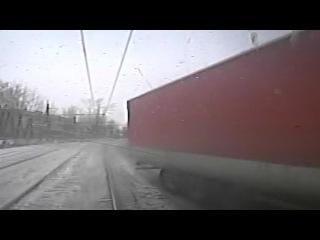 Камера трамвая сняла столкновение с фурой на Сортировке