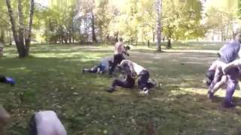 Забив ЦСКА(чёрные) vs Спартак(голый торс) | Russian hooligans fight CSKA(black) vs Spartak