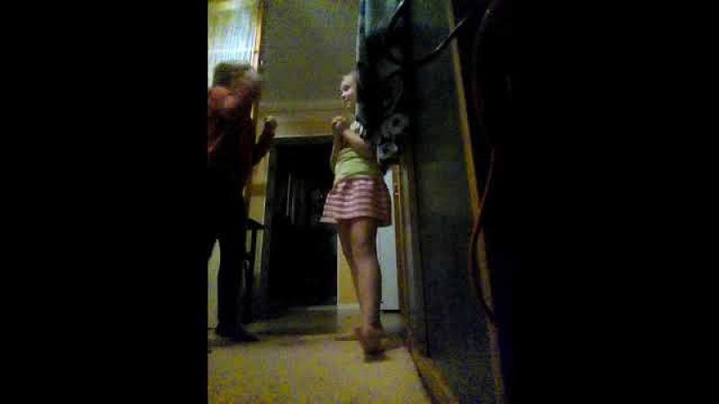 Ураааааааааа Ульяна снова с нами и мы танцуем - 9 net -💃 - и поём время и стекло песня тро ...