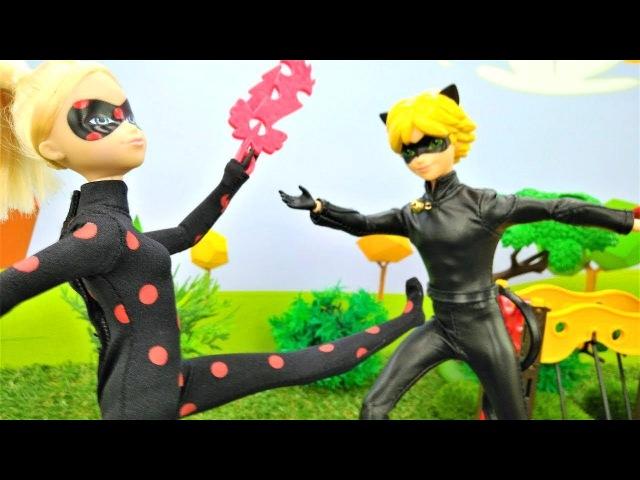 Ladybug and Cat Noir help Barbie dolls