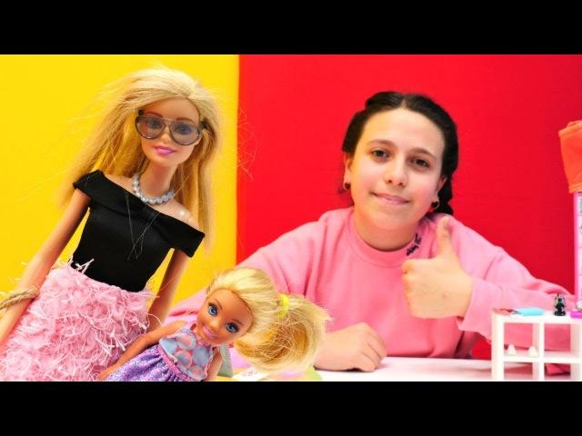 Barbie ve Chelsea oyuncak mağazasında! Kız oyuncakları
