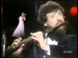 Legs &amp Co Sue Menhenick Annie's Song James Galway (TOTP, 15 June 1978)