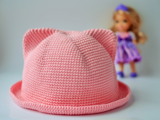 Шляпка с ушками крючком Crochet Cat Hat