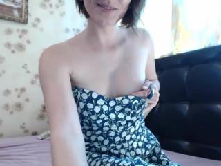 Smorodinka34 снимает платье и показывает сисечки_2017-05-30_11-16-35