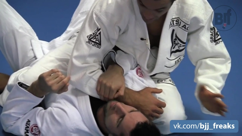 Ryron Gracie - Wrist Lock from Side Mount