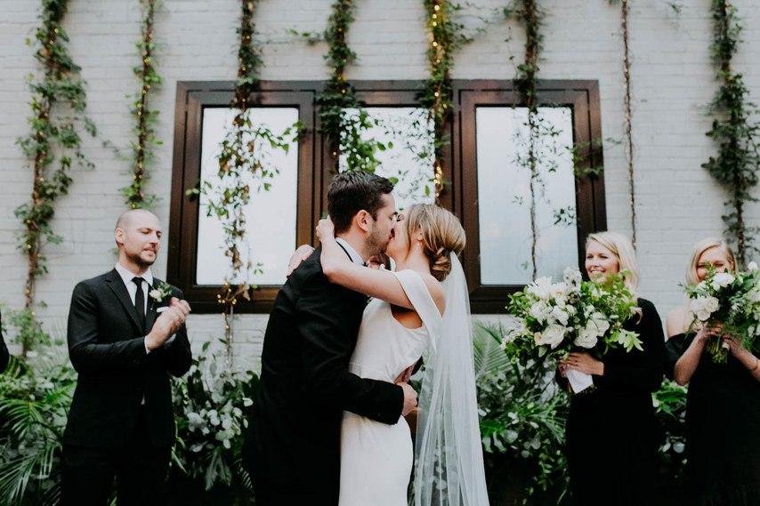 3Ml7i zjQlY - Трогательные нюансы зимней свадебной фотосессии в городе
