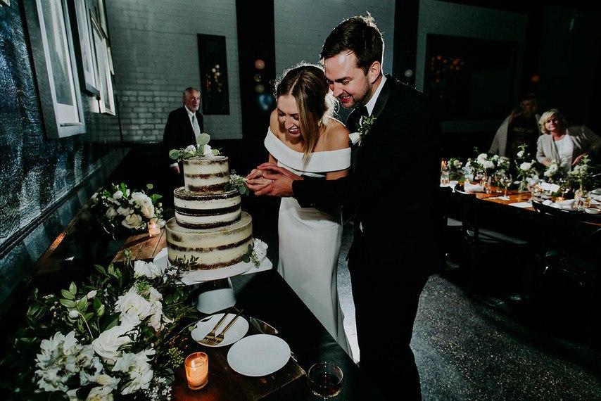 5wRlCsNwTs0 - Трогательные нюансы зимней свадебной фотосессии в городе