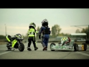 Двухлетний ребенок гоняет на спортах, детский мотоцикл, детские гонки, kids and moto, kids race.mp4