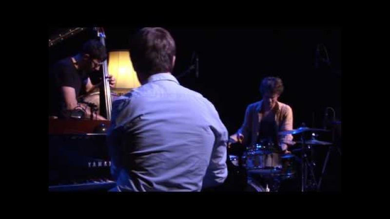 Colin Vallon Trio - Zombie