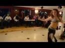 Güzel Dansöz Döktürüyor