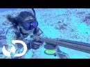 Kimi Werner experta en pesca con arpón - Guerreros del Pacífico l Discovery Channel