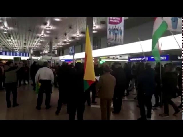 Турки и Курды устроили массовую драку в аэропорту Ганновера! 22.01.2018