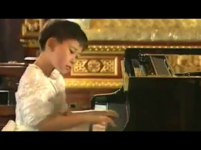 Yuja Wang: Debussy Arabesque No 1 in E major