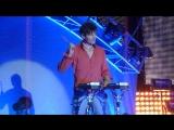 a-ha in Berlin 29.10.10 Morten Harket at the drums
