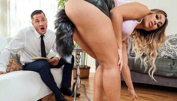 BangBros - Assh Lee Gets Her Asshole Stretched