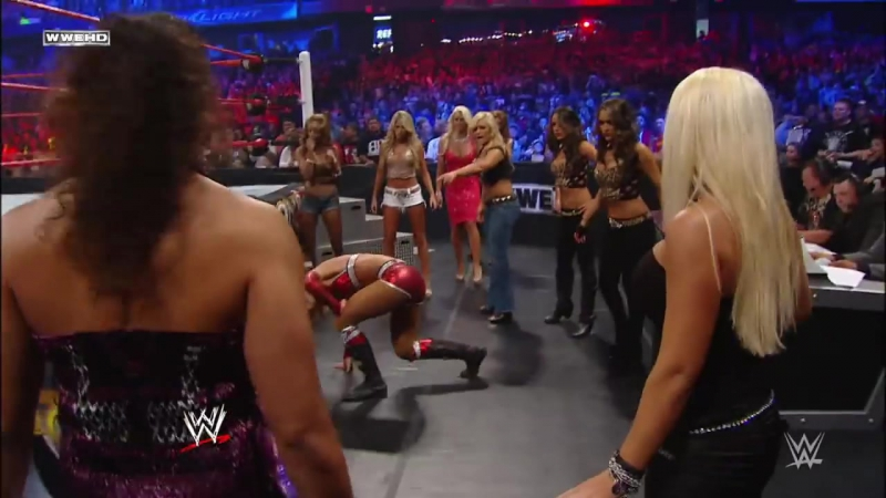 Michelle McCool vs Melina- Divas Championship Unification Match