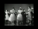 Из к/ф В нашем городе. 1959 г. Музыка - Д. Кабалевский, слова - Е. Долматовский.