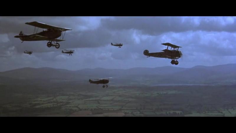 Голубой Макс (1966). Немецкий авианалет на британскую колонну