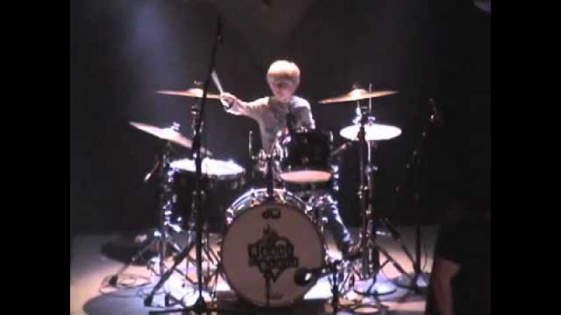 6 year old drummer Logan Robot Gladden @ House of Blues Live and Let Die