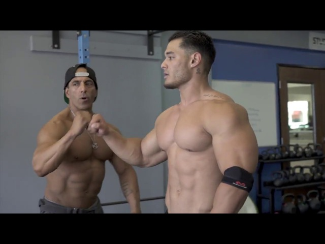 Jeremy Buendia -Training and Posing With Members Of Teambuendia