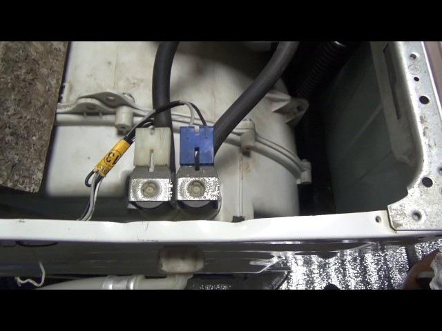 Как разобрать клапан стиральной машинки прочистить! В машинку сама набирается вода!