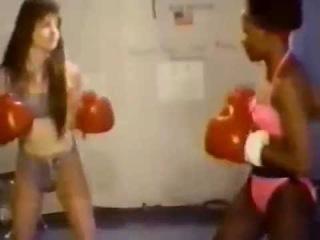 Female Fighting Federation Dawn vs Kim Boxing and Wrestling