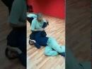 Радабор защита от нападающего с ножом блок удар по глазам в пах забираем нож