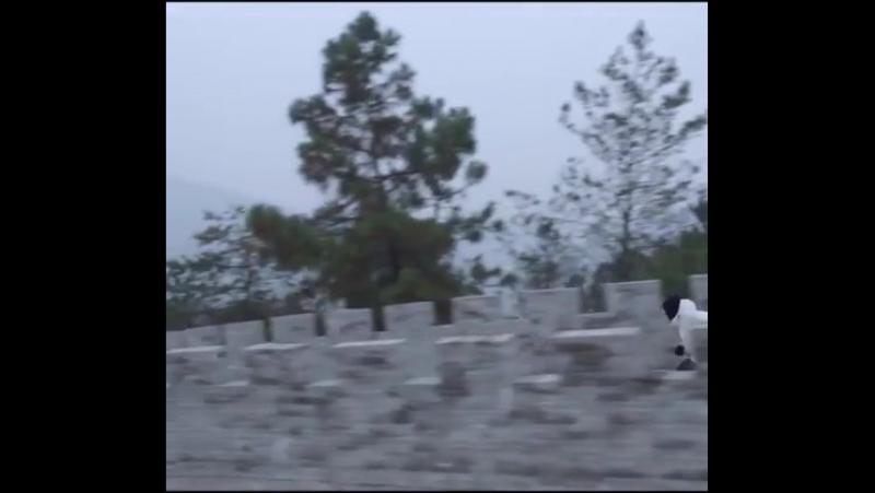 Когда объ*ебался приправой от говяжьего дошика и поехал кататься на лыжах в Китай