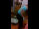 танцует сумашетший