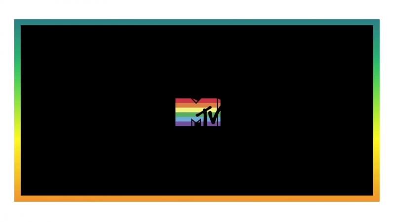 Селена и другие знаменитости желают счастливой недели Гей-прайда для «MTV» (июнь