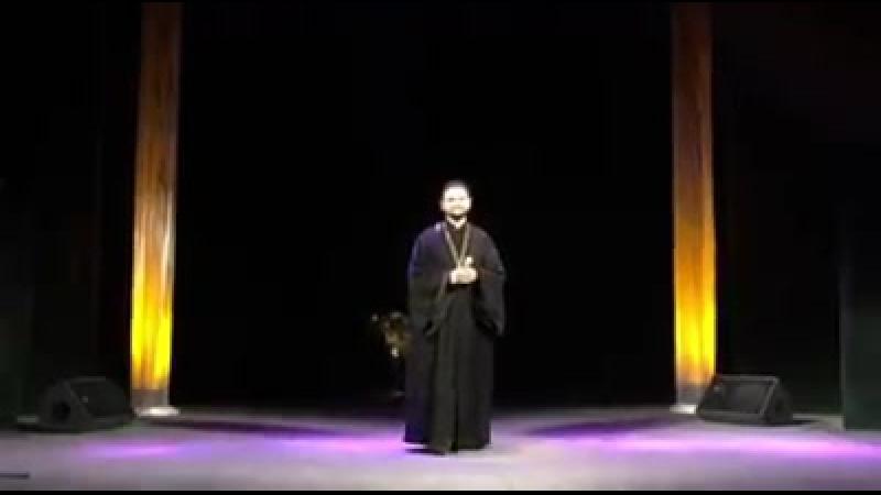 Выступление о. Александра Клименко на сцене драматического театра в г. Мукачеве.