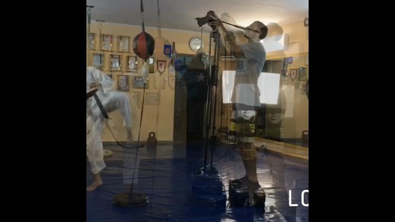 Работа ногами по боксерской груше в КЕФ1