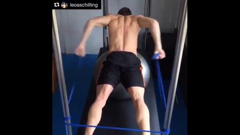 Упражнение: Развиваем мышцы, ответственные за пронос рук в баттерфляе