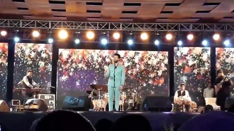 Tajdar e haram - Atif Aslam Live in Creek Club Karachi