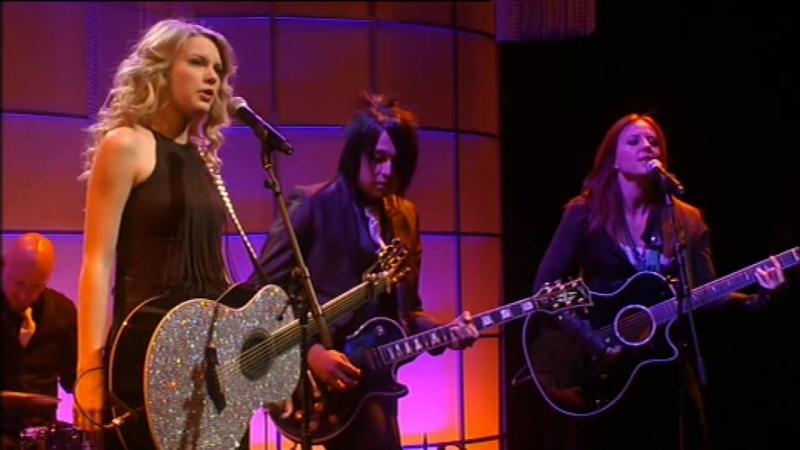 Taylor Swift - Love Story (2009, album version)