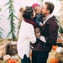Счастливая семья получается тогда, когда и мужу, и жене интересно вдвоем гвозди забить!