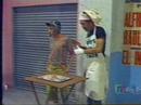 Chaves - Churros - Vendendo churros e imitando o seu madruga