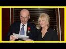 Mylène Demongeot reçoit la Légion d'honneur, entourée de ses fidèles amis